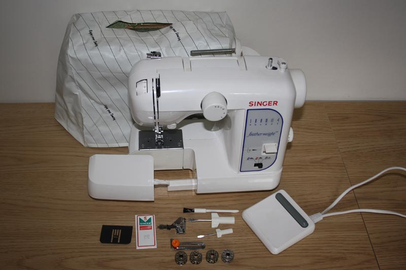 Singer Featherweight Classy Singer Featherweight Sewing Machine Model 100